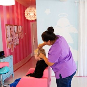 Little Boy Lice Removal